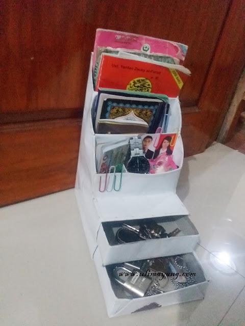 rak-cantik-storage-alat-make-up-dan-kantor-daur-ulang-kerdus