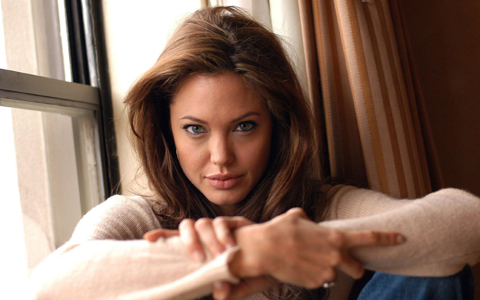 Loveisspeed.......: Angelina Jolie