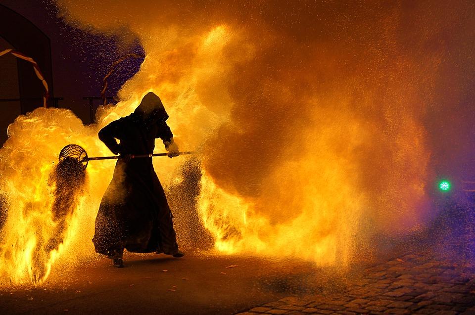 Ayat-ayat Al-Quran tentang Dahsyatnya Siksa Api Neraka