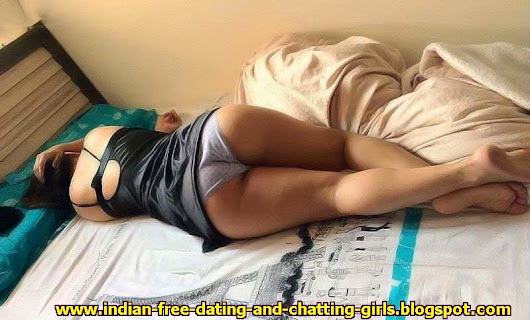 Indian rich cute girl with panty in rich house with paris tower printed bed sheee and chatting with iphone 5s latest pics 2014