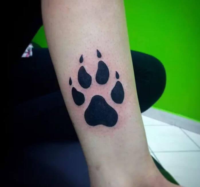 50 amazing paw print tattoo ideas for pet lovers 2018 tattoosboygirl. Black Bedroom Furniture Sets. Home Design Ideas