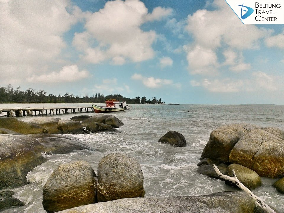 One Day Trip Pantai Selatan Belitung