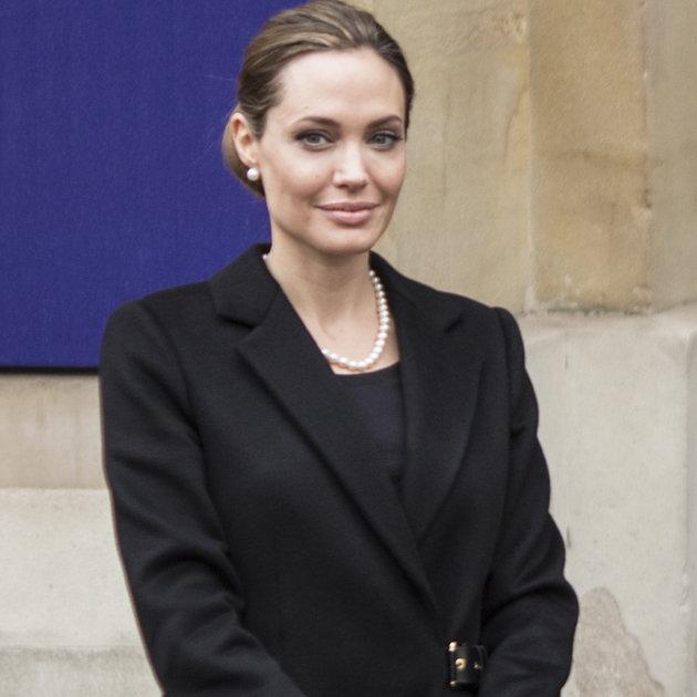 Angelina Jolie poses nude on Harpers Bazaar cover - vivomix