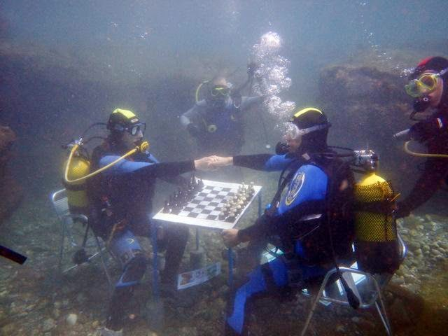 Chess with Diving
