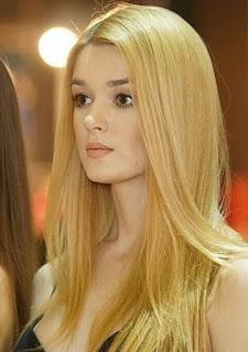 Alisa Manyonok atlit bola voli cantik mirip barbie1