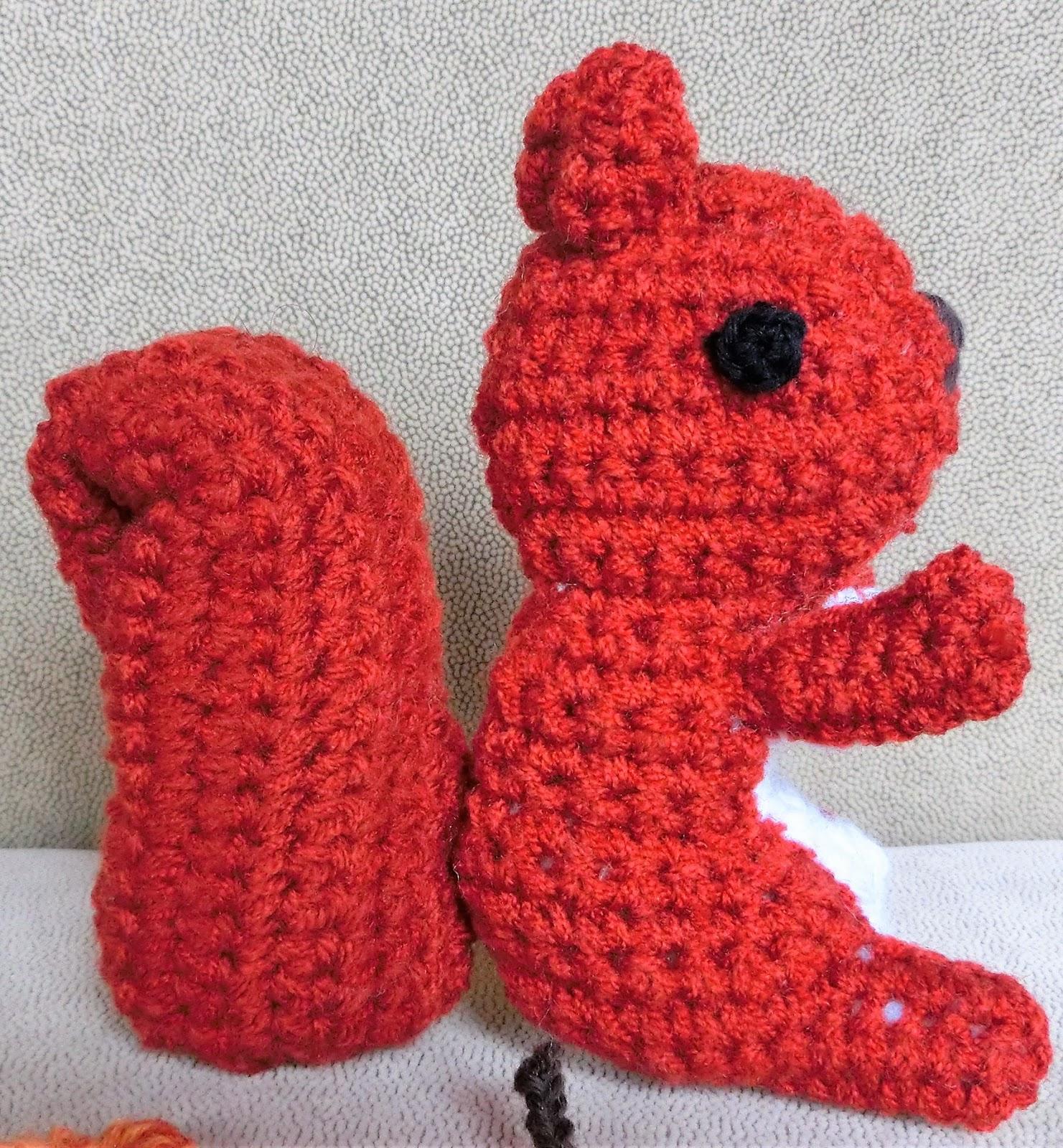 Ein Kleiner Blog Eichhörnchen Und Igel Als Herbstdekoration