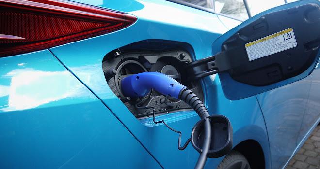 Toyota Prius Plug-in charging