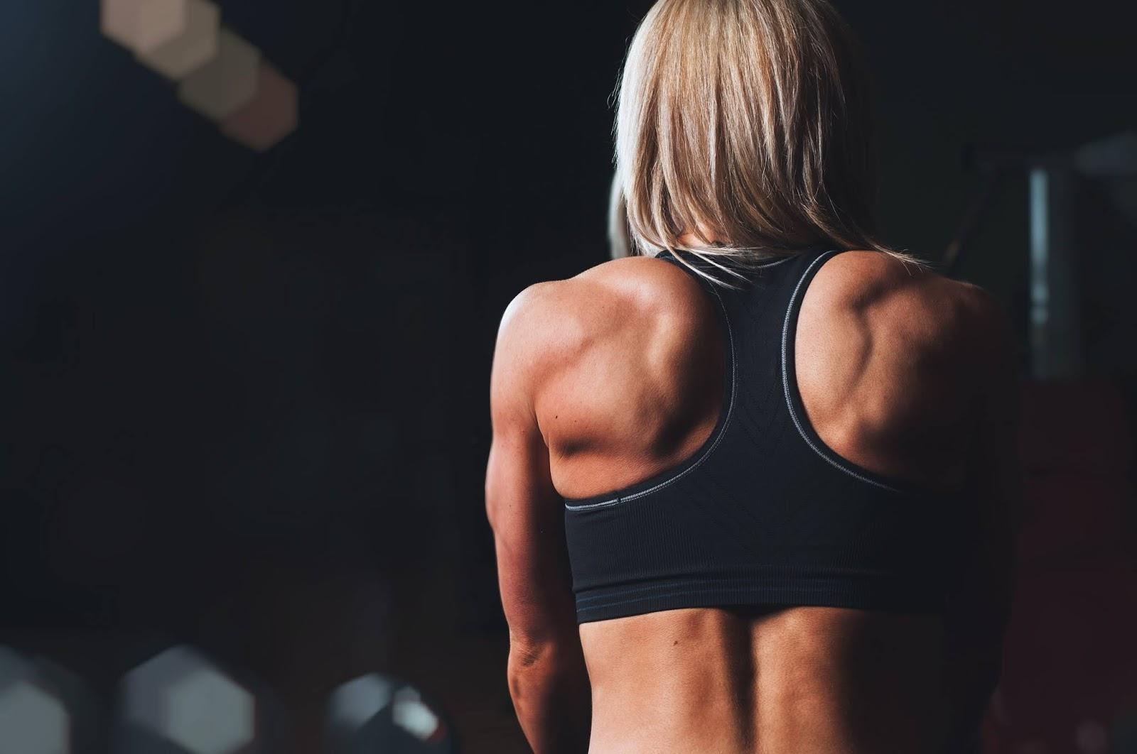 lo yoga aiuta la perdita di grasso