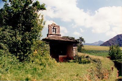 Allande. Capilla de San Bartolomé de Cornollo