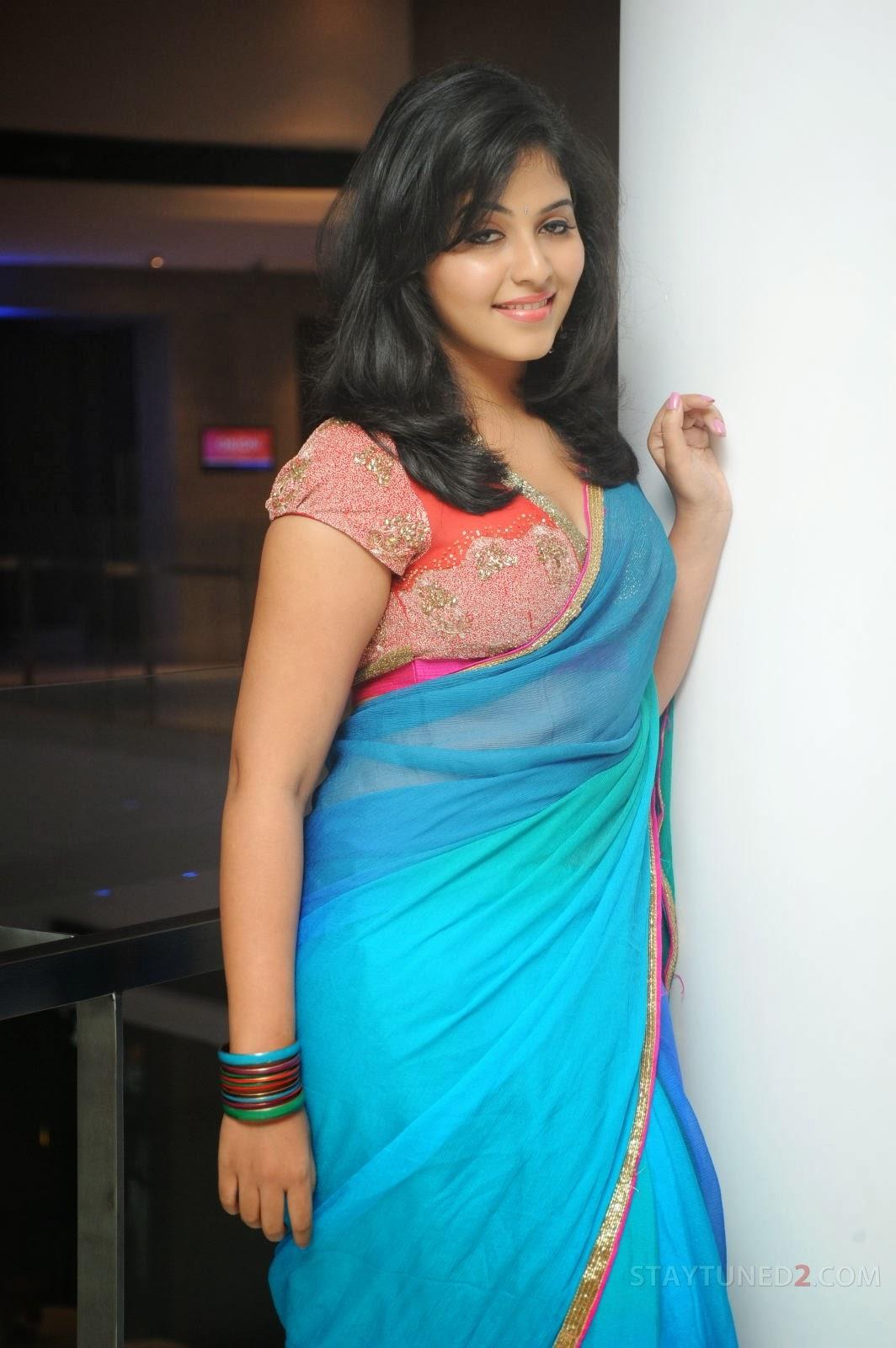 Anjali sexy photos in saree