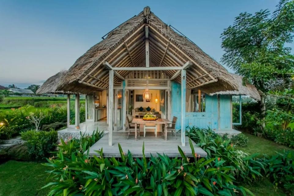 romantic villa in ubud