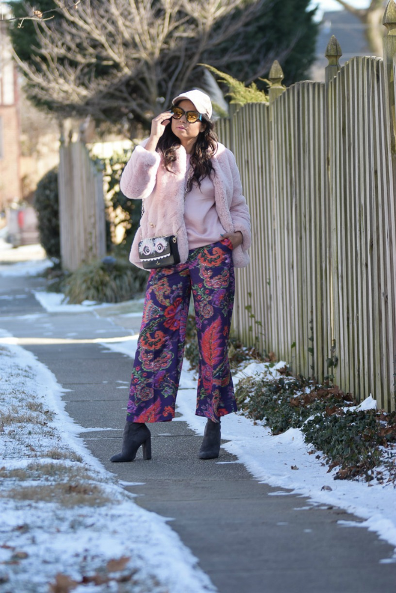 how to wear pinki fur in winter. pantone color 2018, purple, h7M purple pants, gap fur jacket, velvet cap, street style, fashion blogger, myriad musings