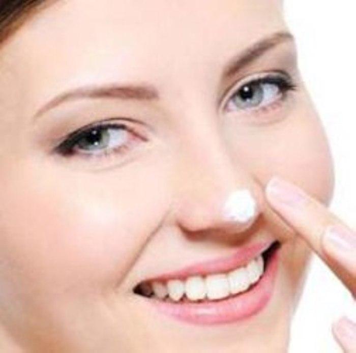 5 Cara Menghilangkan Jerawat Dan Bekasnya Secara Alami: Pasta Gigi Ampuh Menghilangkan Komedo