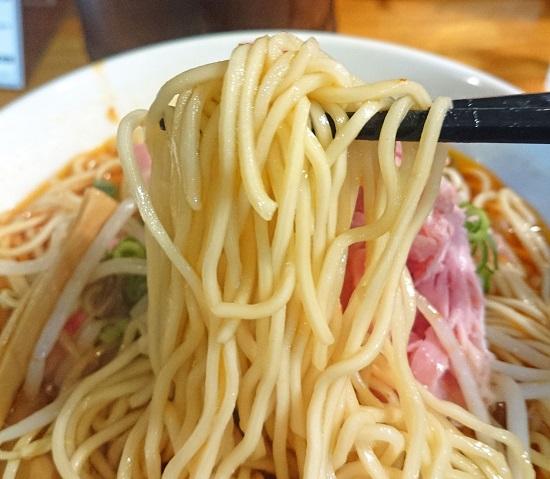 肉汁中華ソバ(旨辛)の細麺の写真
