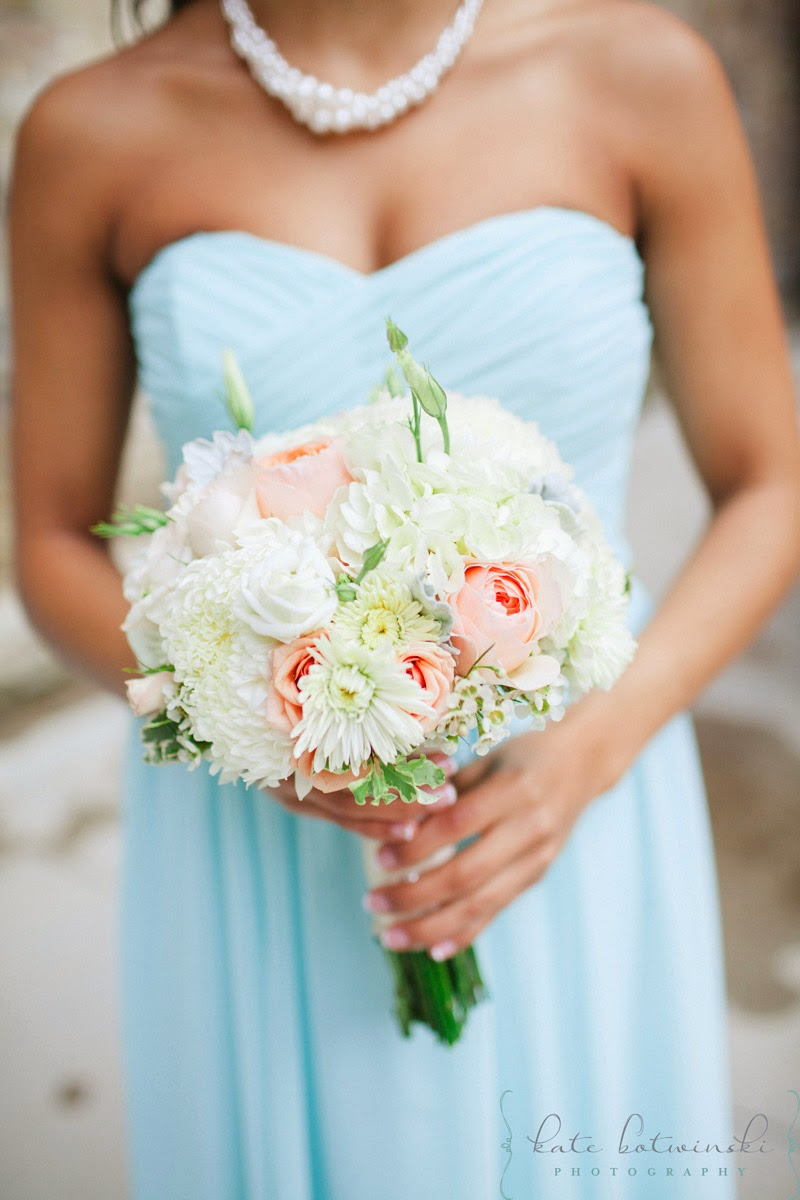 Reineke 268 - beach wedding bridal bouquets