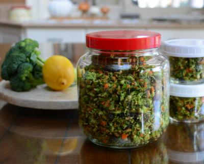 Detox Chopped Salad, another simple seasonal salad ♥ AVeggieVenture.com