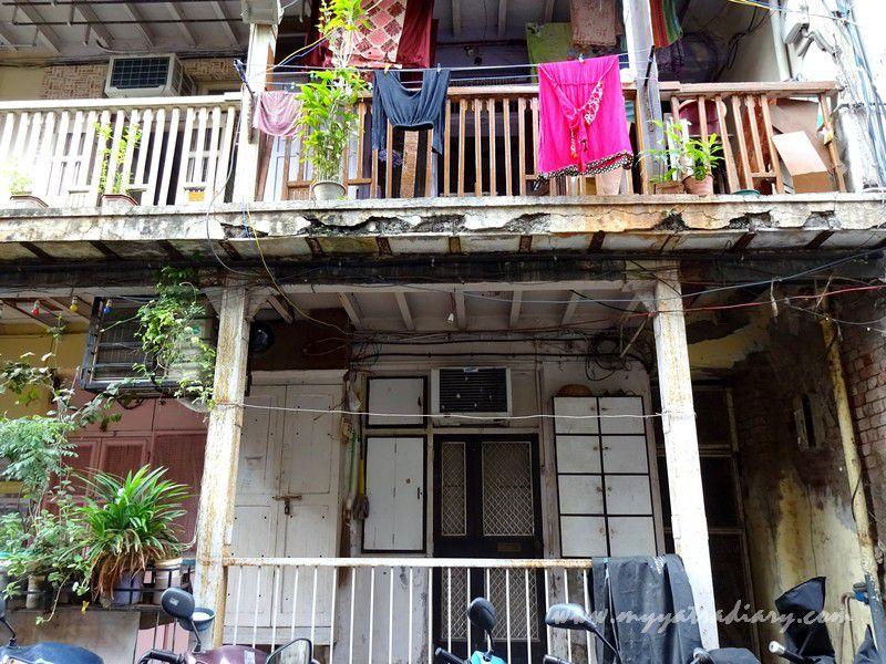 Houses near Keshavji Naik Chawl Sarvajanik Ganeshotsav Mandal in Girgaon, Mumbai.