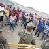 BARAHONA: Empleados de Monte Grande intentan tomar campamento por soluciones de irregularidades