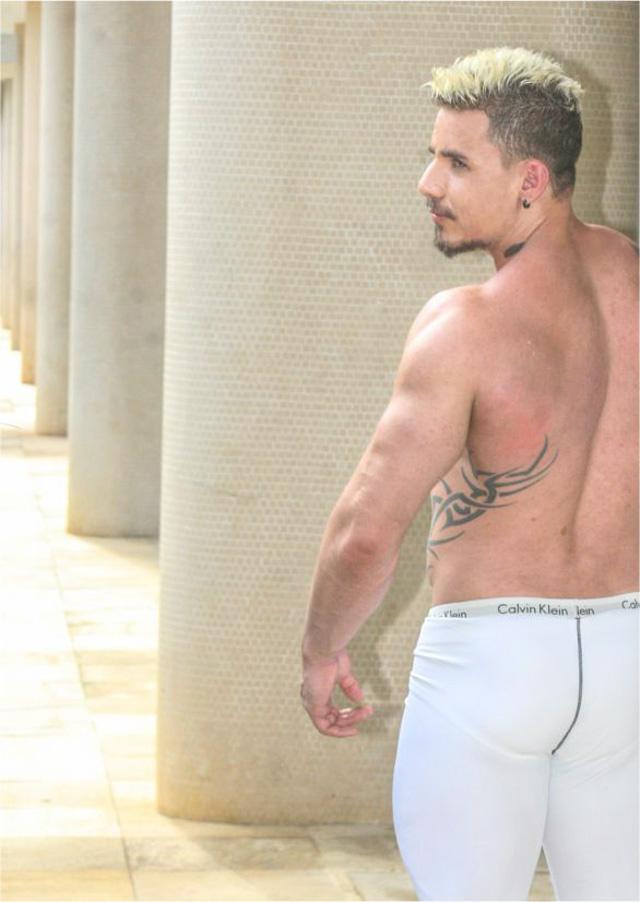 Thiago Colossus mostra músculos em ensaio. Foto: Muel Tsunamy