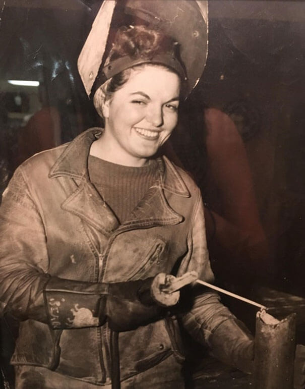 25 Fascinating Pictures Show How Cool Our Grandparents Used To Be - My Great Grandmother, Working As A Welder During WW2