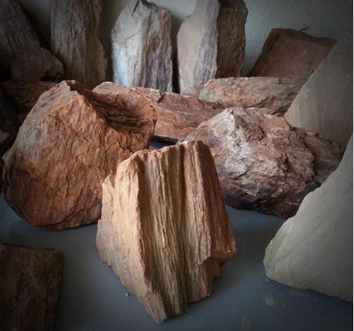 Đá trầm tích thường được sử dụng trong bể thủy sinh