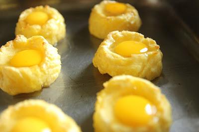 Recipe Baked Organic Quail Egg in a Nest Gluten-free Appetiser