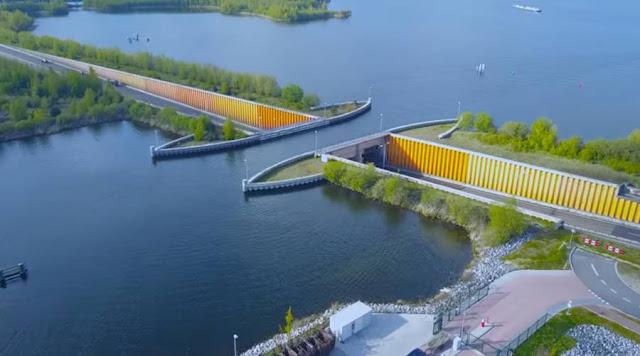 Φοβερό: Υποθαλάσσια γέφυρα με τα αυτοκίνητα να περνούν από κάτω και τα καράβια από πάνω (βίντεο)