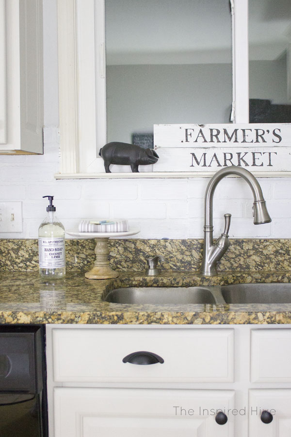 DIY Farmer's Market Reclaimed Wood Sign
