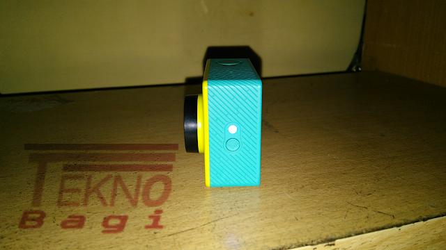 Pahami Indikator LED Xiaomi Yi - Bagian Samping Kanan (WiFi Indikator)