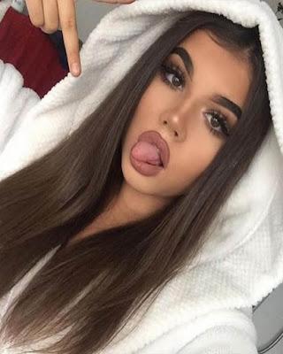 selfie tumblr con lengua afuera tumblr