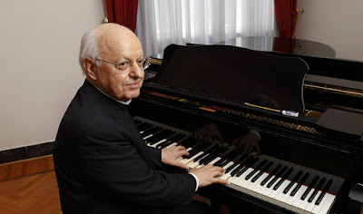 Baldisseri at piano