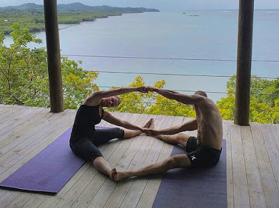 yoga, couples yoga, roatan, ananda pavilion, paya bay resort, naturism