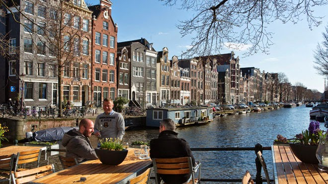 bersantai di kanal di belanda - Beasiswa Short Course Eropa