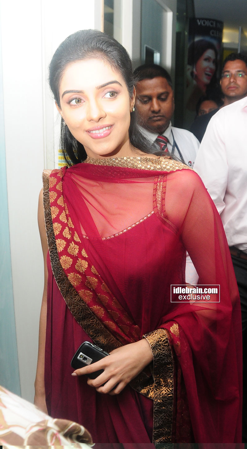 asin cleavage pics