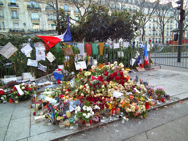 Tributes left in Boulevard Richard Lenoir after the Charlie Hebdo attack, Paris, France. Photo by Loire Valley Time Travel.