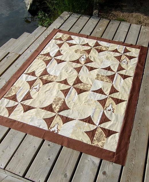 5 minute Block Quilt made by Kathy Schwartz of TamarackShack, The Tutorial by Suzanne McNeill of Design Originals
