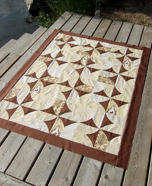 5 minute Block Quilt made by Kathy Schwartz of TamarackShack, The Tutorial by Suzanne McNeill of Design Originals