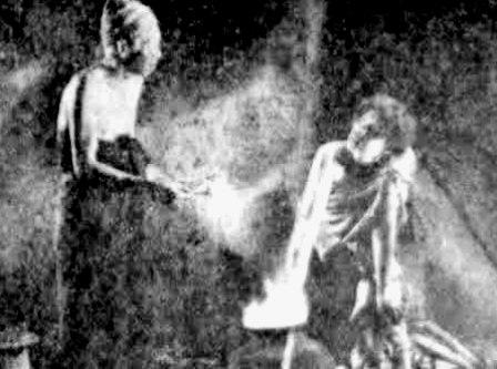 FILEM KLASIK MALAYSIA: PONTIANAK (1957)