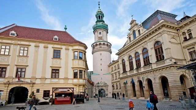 Folytatódik a fejlesztés: több mint félmilliárd forintot fordítanak Sopron belvárosára