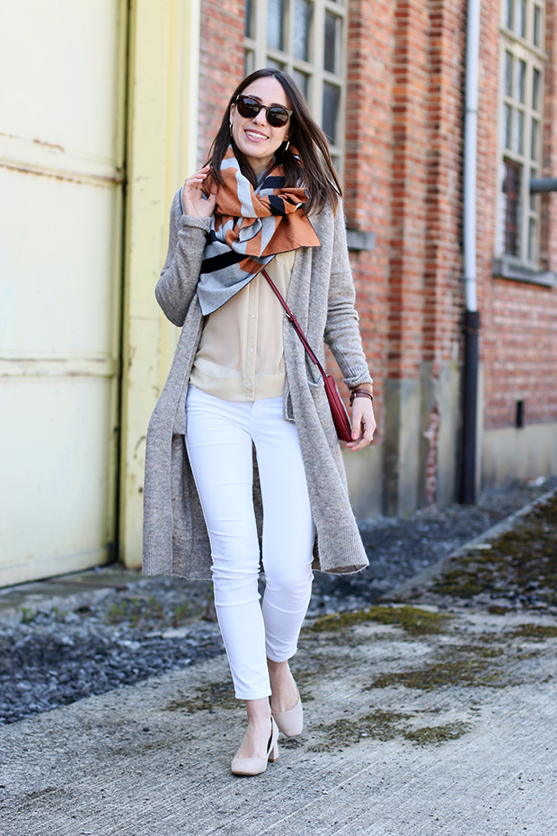 Layering neutral outfit