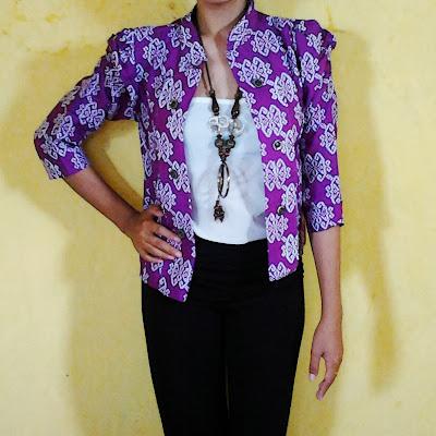Model Baju Blazer Batik Kerja Wanita Modern Terbaru