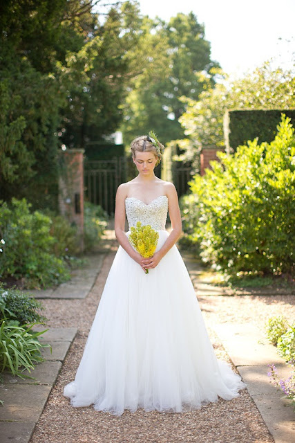 vestidos de novia sencillos y romanticos