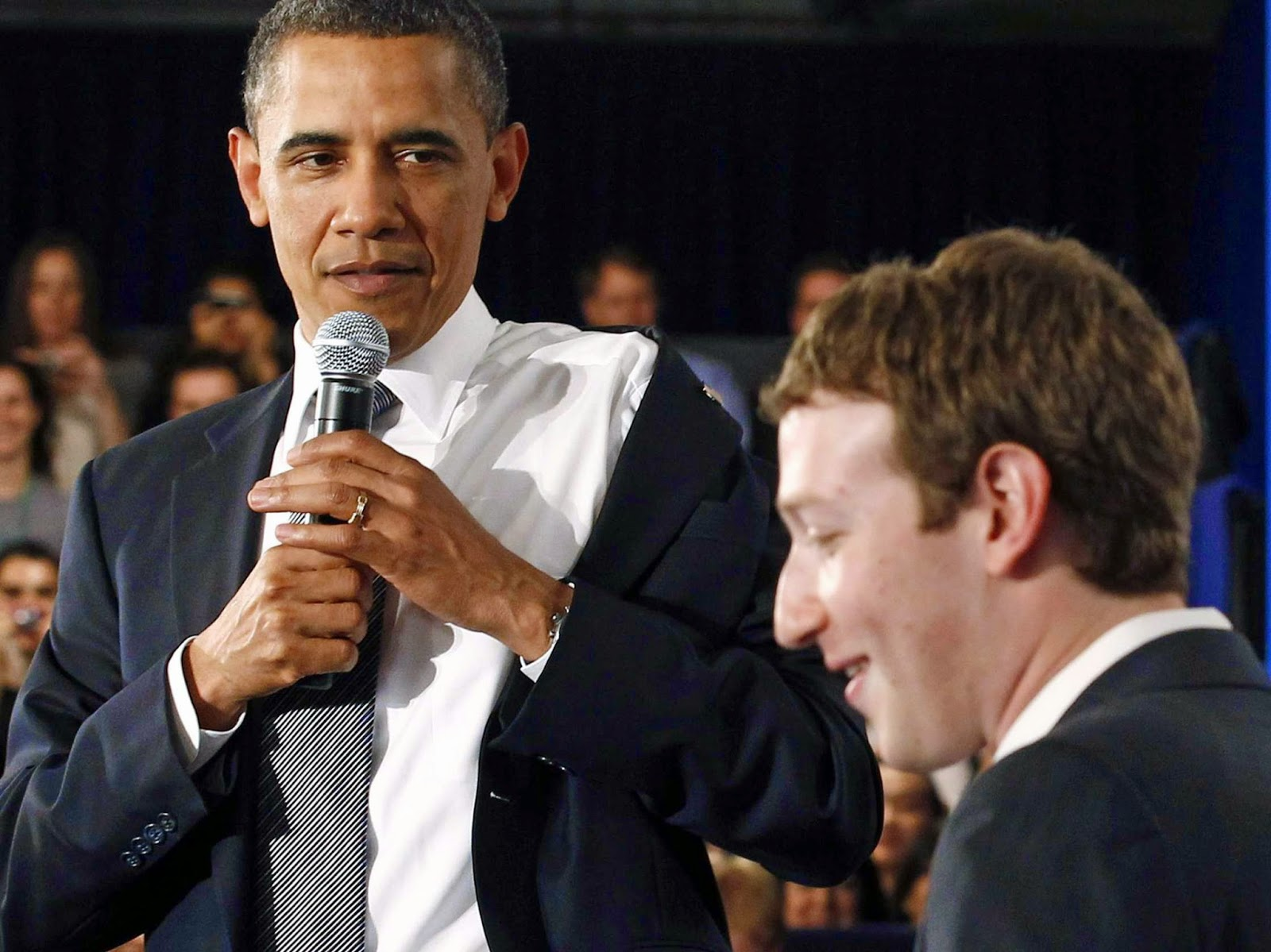 Barack Obama and Mark Zuckerberg kibitz