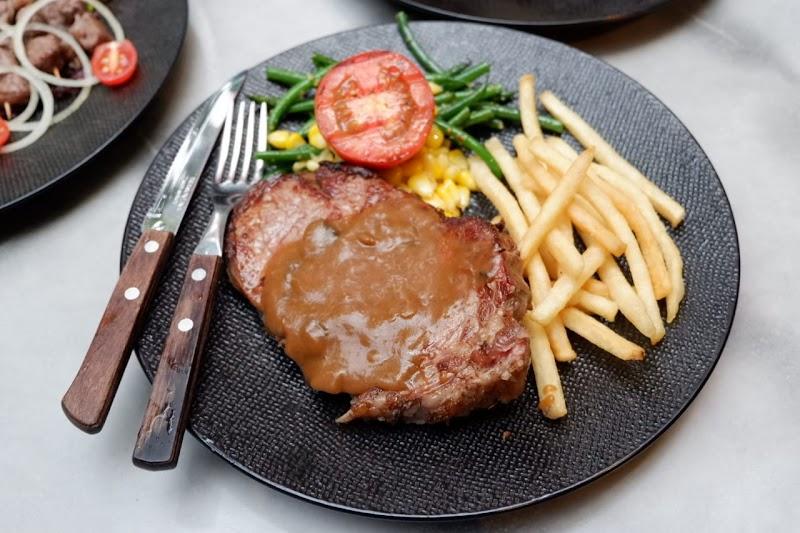 Justus Steak House Dago Bandung