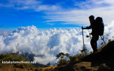 Kata Kata Motivasi Inspiratif Para Pendaki Gunung