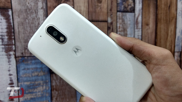 Moto G4 XT1626 is now getting June 2017 Security Patch