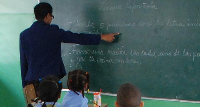 ADP quiere verificar cada caso de maestros bloqueados por el Ministerio de Educación
