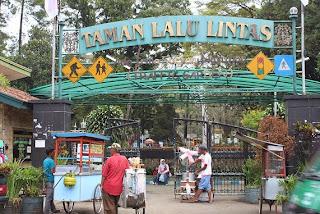 Taman Ade Irma Suryani Nasution (Taman Lalu Lintas)