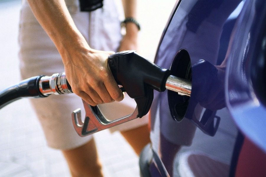 H βενζίνη θα φτάσει 2,5 ευρώ...