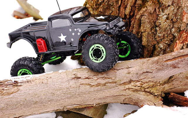 Axial AX10 Scorpion articulation rc crawling